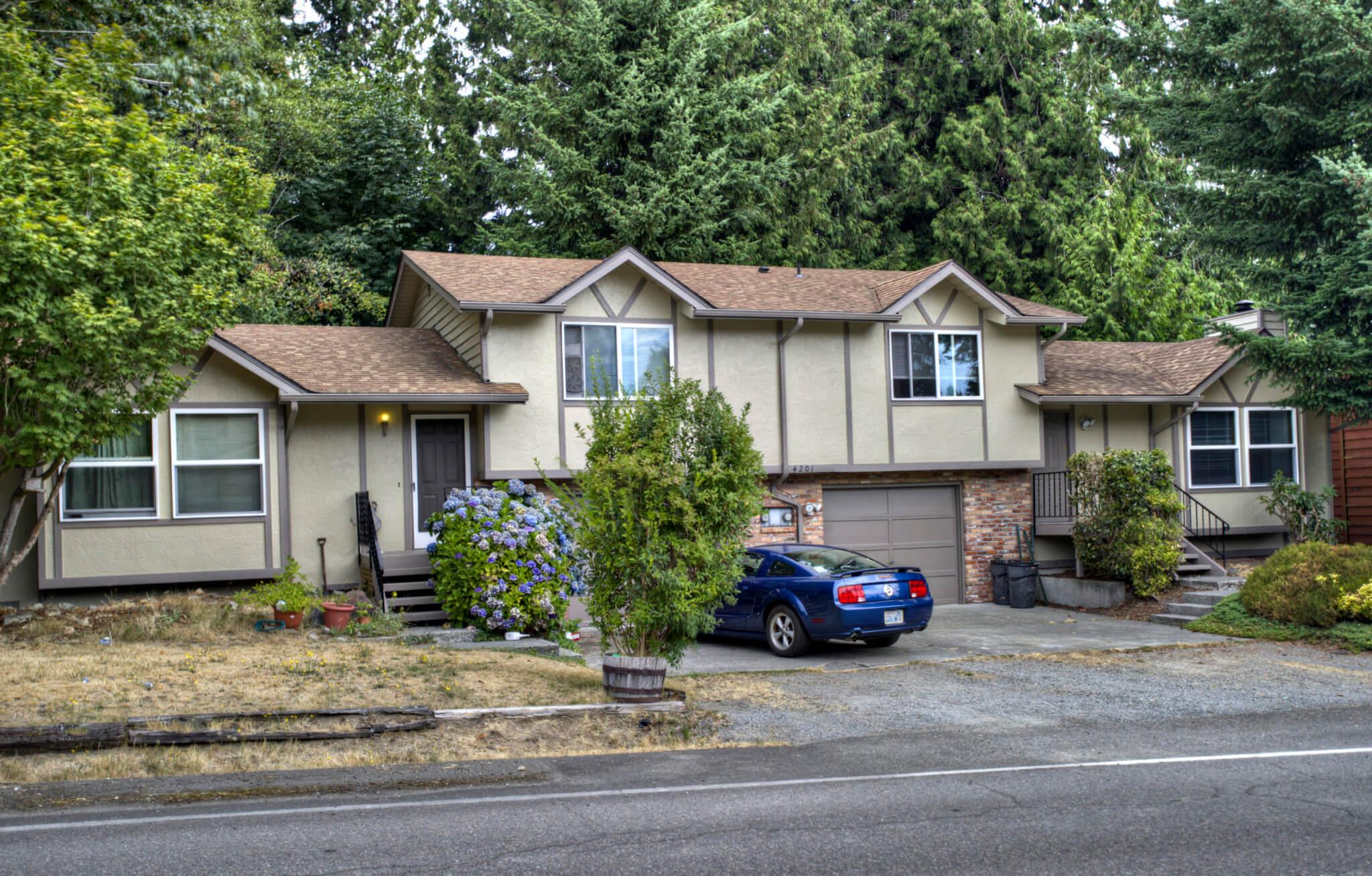 Everett Duplex