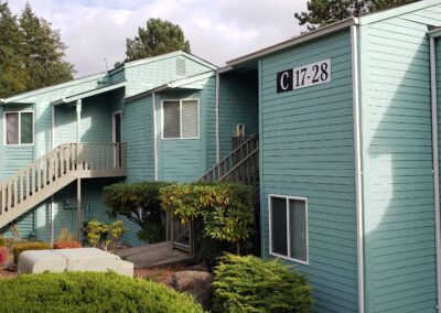 Valley View Apartments (Poulsbo, WA)